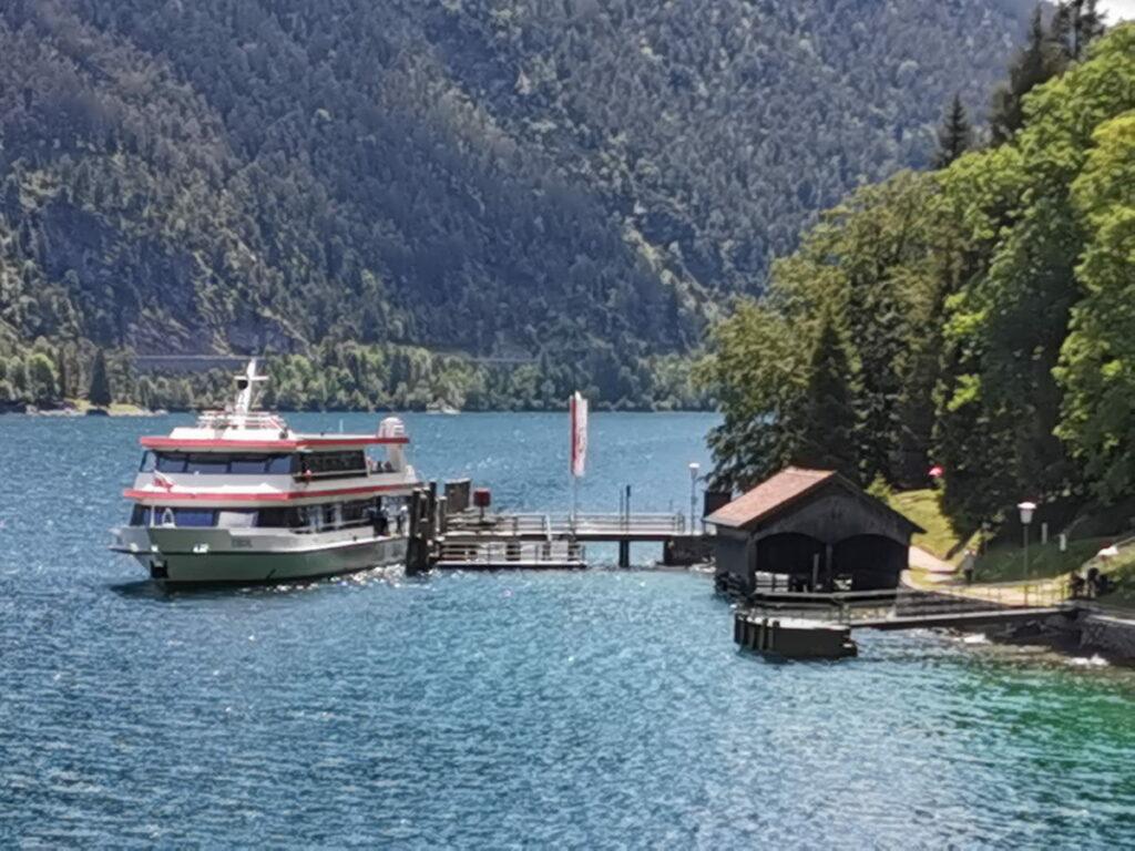 Mit dem Schiff zur Gaisalm - die einzige Alm in Tirol, die per Schiff erreichbar ist