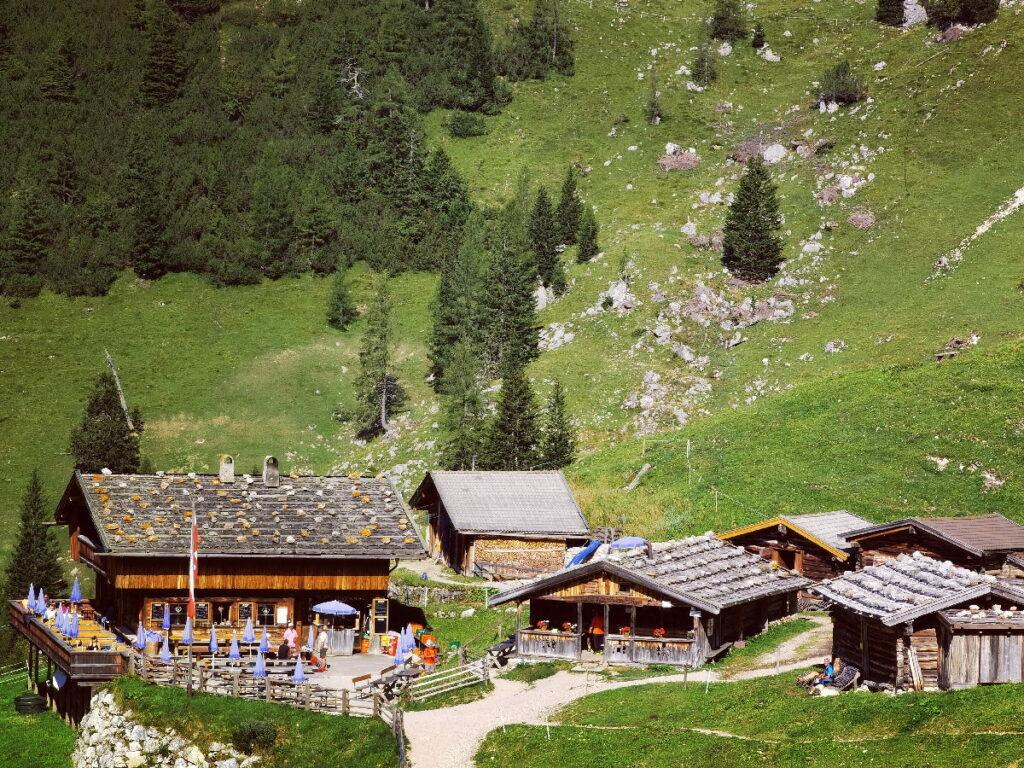 Die leichte Achensee Wanderung zur urigen Dalfazalm