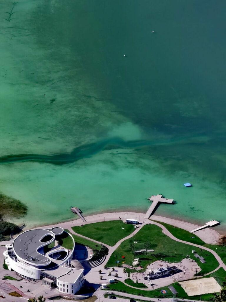 Achensee Ausblick vom Durrakreuz auf die Lagune rund um das Atoll