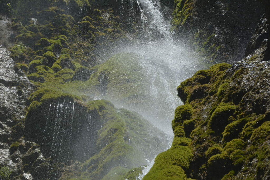 Stimmungsvoller Wasserfall im Karwendel am Achensee