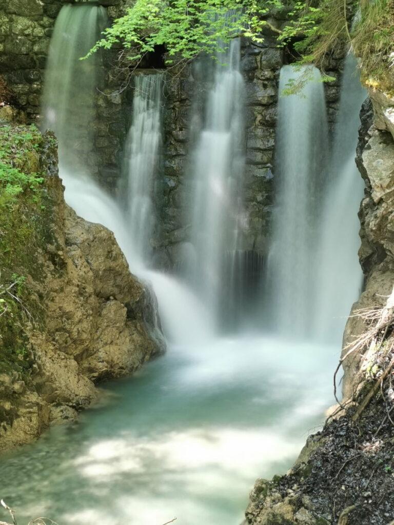 Wasserfälle Achensee: Im Frühling sind das die oberen Wasserfälle in der Wolfsklamm